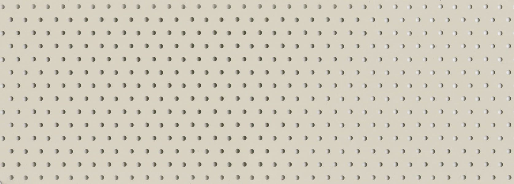 Perforated cream venetian blind (P0285)